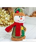 Мягкая игрушка Зимнее волшебство Снеговик Две елочки 14 см (зеленый)